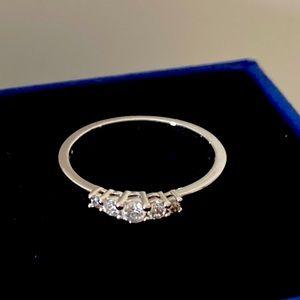 swarovski ring rnd czwh/rhs